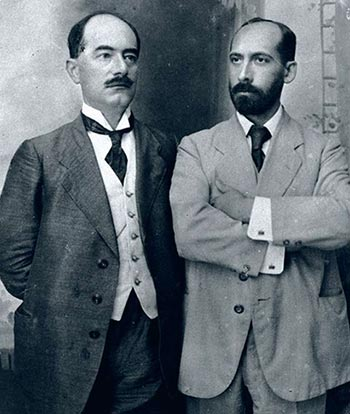 Dr. Thon and Dr. Ruppin at the entrance to the company´s office in Jaffa (1908)