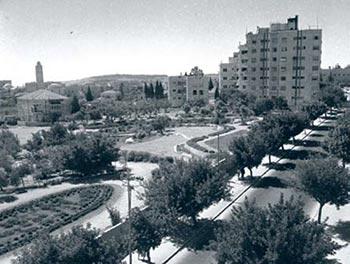 מראה רחוב קינג ג´ורג´ הבנוי בירושלים (1945)